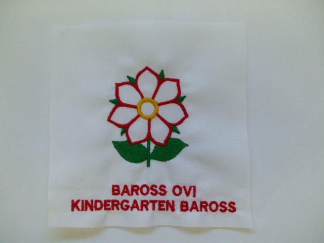 hímzett logó2